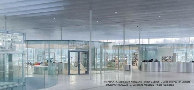 vue du hal d'accueil du musée Louvre Lens