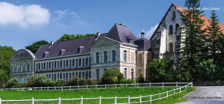 facade-principale-abbaye-de-vaucelles-nord-decouverte
