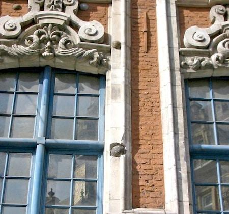 les boulets de Lille font partie des détails insolites de l'architecture de la métropole