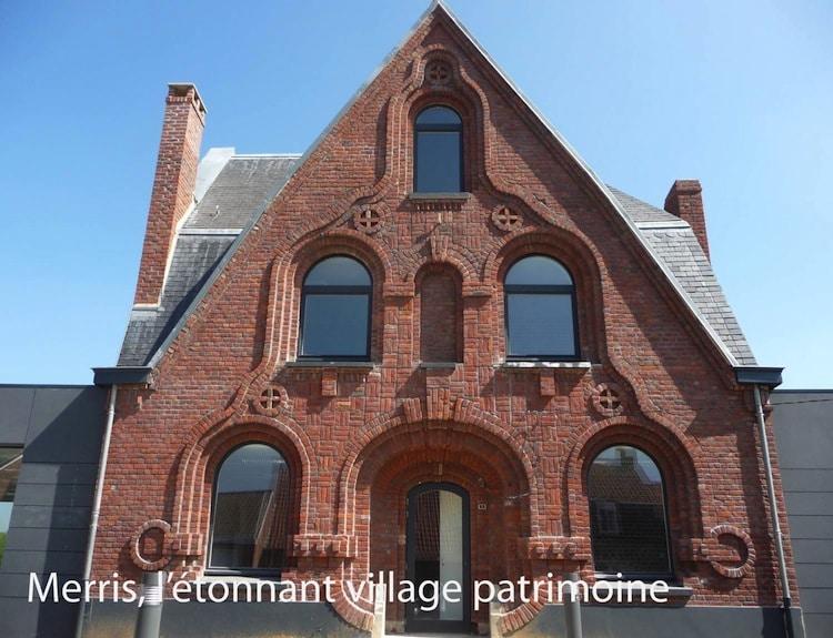 nous mettrons bientôt en ligne un article sur le village patrimoine de Merris