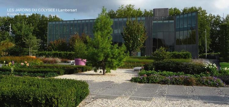 vue des jardins du Colysée avec le Colysée en fond
