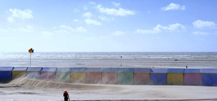 vue de la plage et des cabines colorées typiques de Berck-sur-Mer