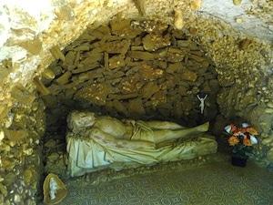 gisant-chapelle-de-la-passion-mont-des-cats
