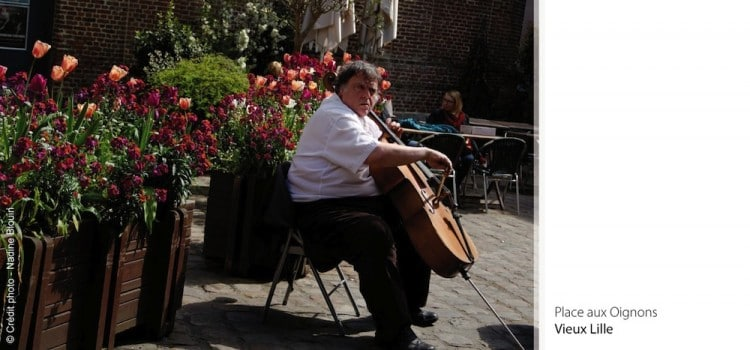 musicien-place-aux-oignons-vieux-lille-nord-decouverte