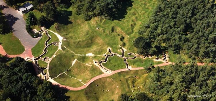 vue aérienne du réseau de tranchées préservés Mémorial canadien de Vimy reportage Nord Découverte