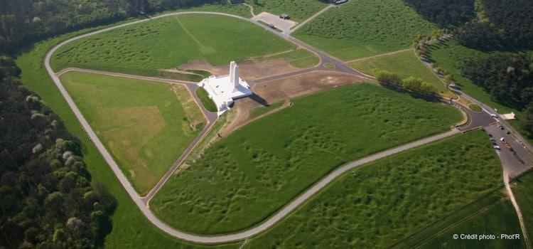 vue aérienne du Mémorial canadien de Vimy reportage Nord Découverte