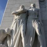 statues des défenseurs du Mémorial canadien de Vimy reportage Nord Découverte