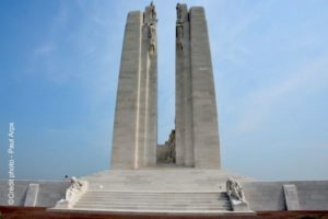 vue-generale-memorial-canadien-vimy-nord-decouverte