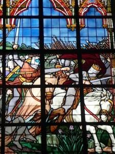 detail-vitrail-chevalier-eglise-bataille-de-bouvines-nord-decouverte