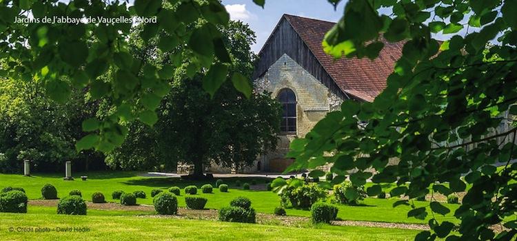 jardin-exterieur-abbaye-de-vaucelles-nord-decouverte