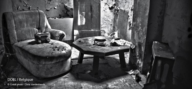 fauteuil-village-street-art-abandonne-doel-nord-decouverte