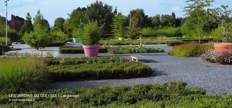 vue d'une allée des jardins du Colysée à Lambersart