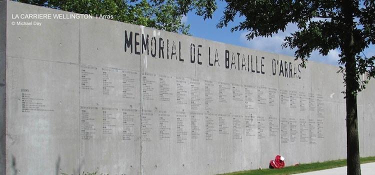 Mur du mémorial de la carrière Wellington d'Arras, un article Nord Découverte