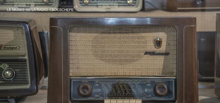 anciens modèles au musée de la radio de Boeschepe