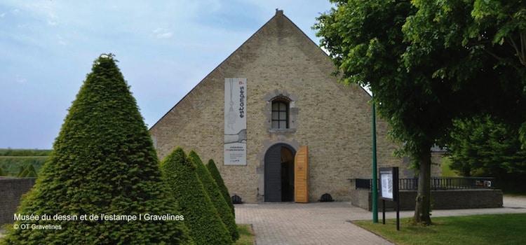 vue de l'entrée du musée du dessin et de l'estampe de Gravelines