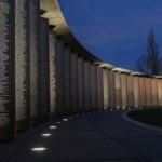 perspective de l'anneau de la mémoire illuminé de Notre-Dame-de-Lorette