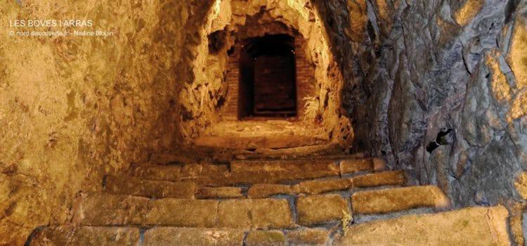 escalier qui descent dans les galeries souterraines d'Arras