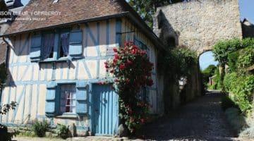 l'emblématique maison bleue de Gerberoy