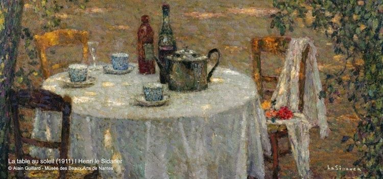 vue d'un tableau de Le Sidaner intitulé table au soleil peint en 1911