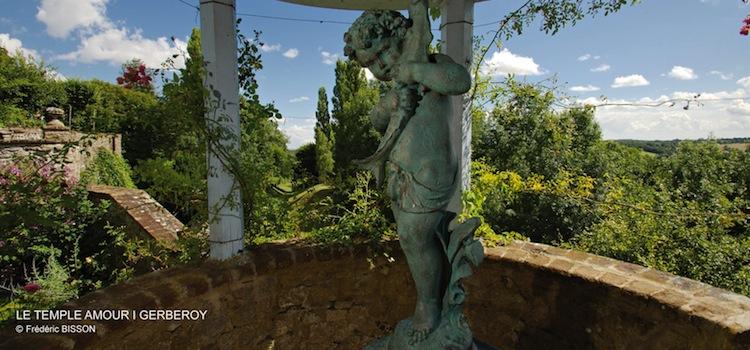 vue du temple Amour des jardins Le Sidaner à Gerberoy
