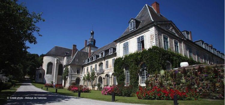 vue d'une des façades de l'abbaye de Valloires