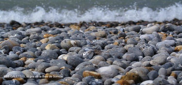vue des galets présents sur les plages de Normandie et de la Baie de Somme