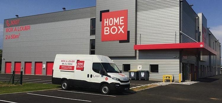 vue d'un entrepôt et camionnette Homebox