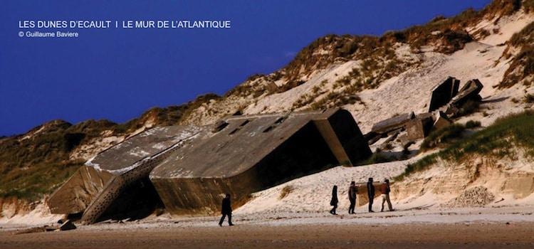 vue de la plage de Saint-Etienne-au-Mont et un blockhaus du mur de l'Atlantique