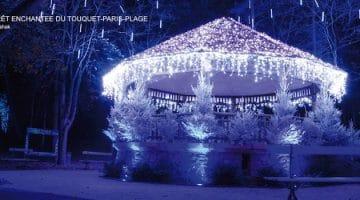 kiosque décoré de la forêt enchantée pour les illuminations du Touquet-Paris-Plage