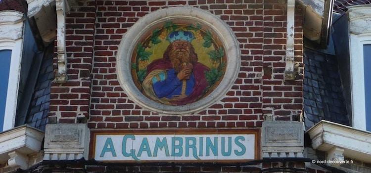 fronton d'un estaminet avec la tête de Gambrinus roi de la bière