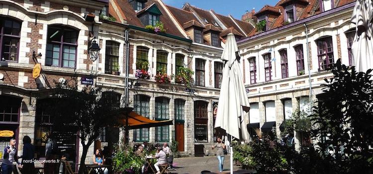vue de la place aux Oignons parmi les plus beaux endroits à voir du Vieux-Lille