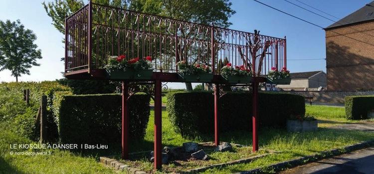 vue d'un des kiosques à danser de l'Avesnois à Bas-Lieu